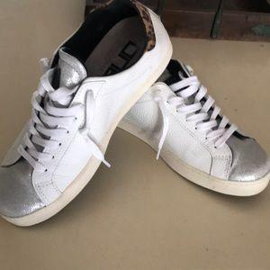 one footwear